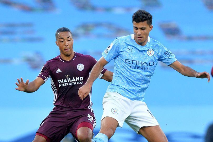 'Lucky' Leicester City 'did nothing', claims Manchester City midfielder - Bóng Đá
