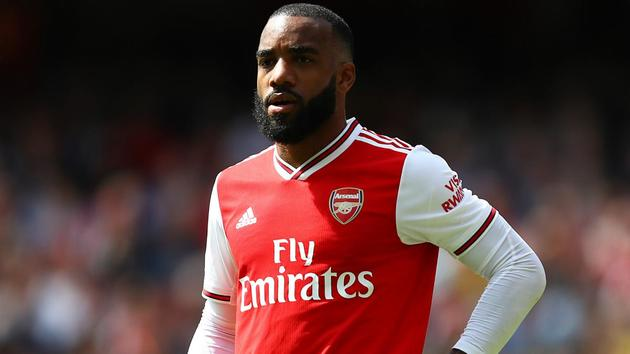 3 reasons why letting Lacazette go even to fund a move for Aouar makes no sense - Bóng Đá