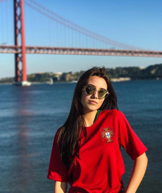 Ruben Dias' Wag is top pop star April Ivy who had a No1 hit in Portugal with Be Ok - Bóng Đá