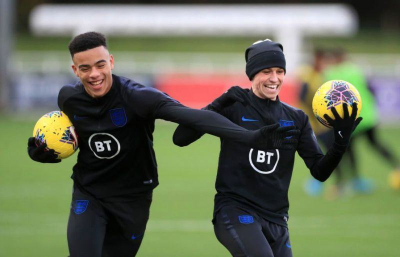 England boss Gareth Southgate explains decision to axe Phil Foden and Mason Greenwood after coronavirus rule breach - Bóng Đá