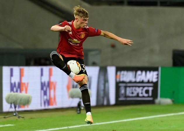 Bayer Leverkusen have made contact with Manchester United over a deal for full-back Brandon Williams - Bóng Đá