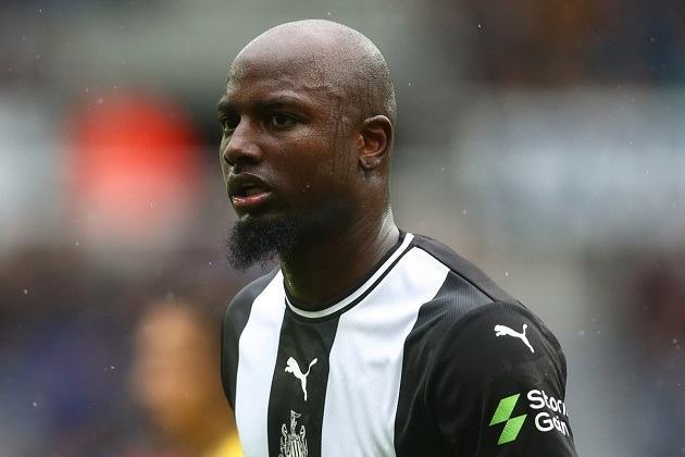 Report: Newcastle told to spend £9.6million to sign left-sided flyer Jetro Willems - Bóng Đá