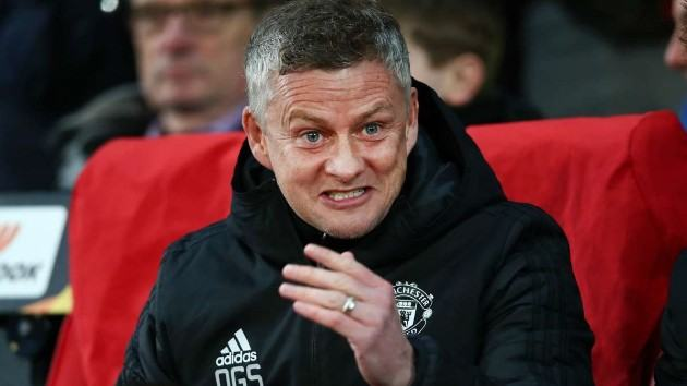 Manchester United boss Ole Gunnar Solskjaer has reportedly decided to prioritise a move for a new centre-back - Bóng Đá