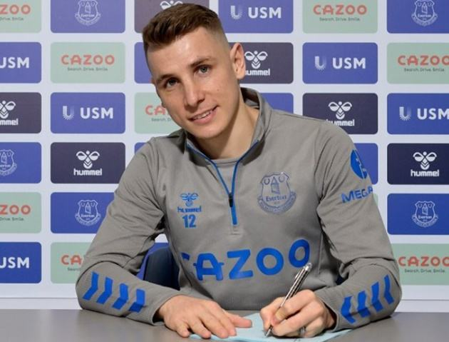 Digne signs new deal at Everton until 2025 as left back commits long-term future to Goodison Park - Bóng Đá