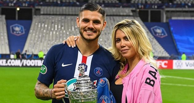 Wanda Icardi leaves little to the imagination in bra as PSG Wag urges fans to 'stay at home' - Bóng Đá