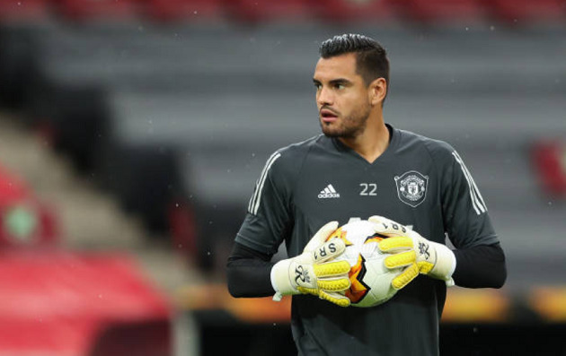 After Marcos Rojo, Boca Juniors are trying to convince also Sergio Romero to join the club as a free agent. - Bóng Đá
