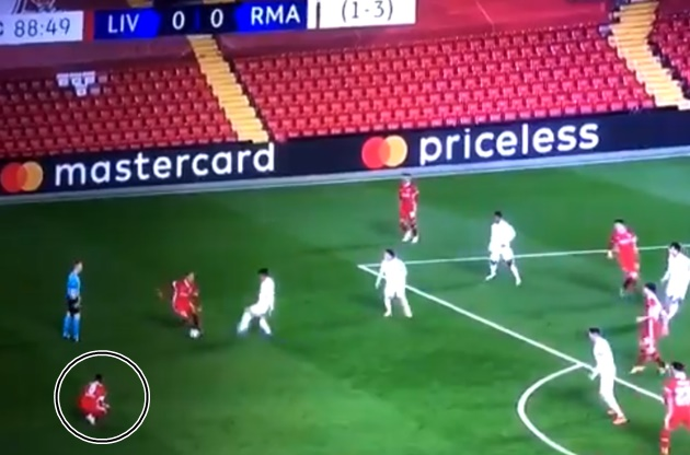 'I FEEL SICK': SOME LIVERPOOL FANS NOTICE WHAT WIJNALDUM DID IN THE 89TH MINUTE LAST NIGHT - Bóng Đá